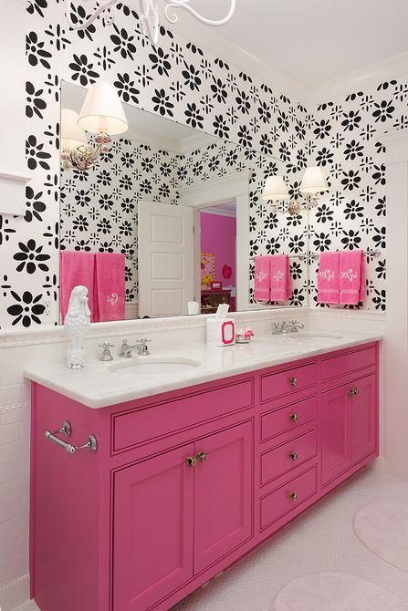 Baño para adolescentes negro, blanco y rosa fuerte