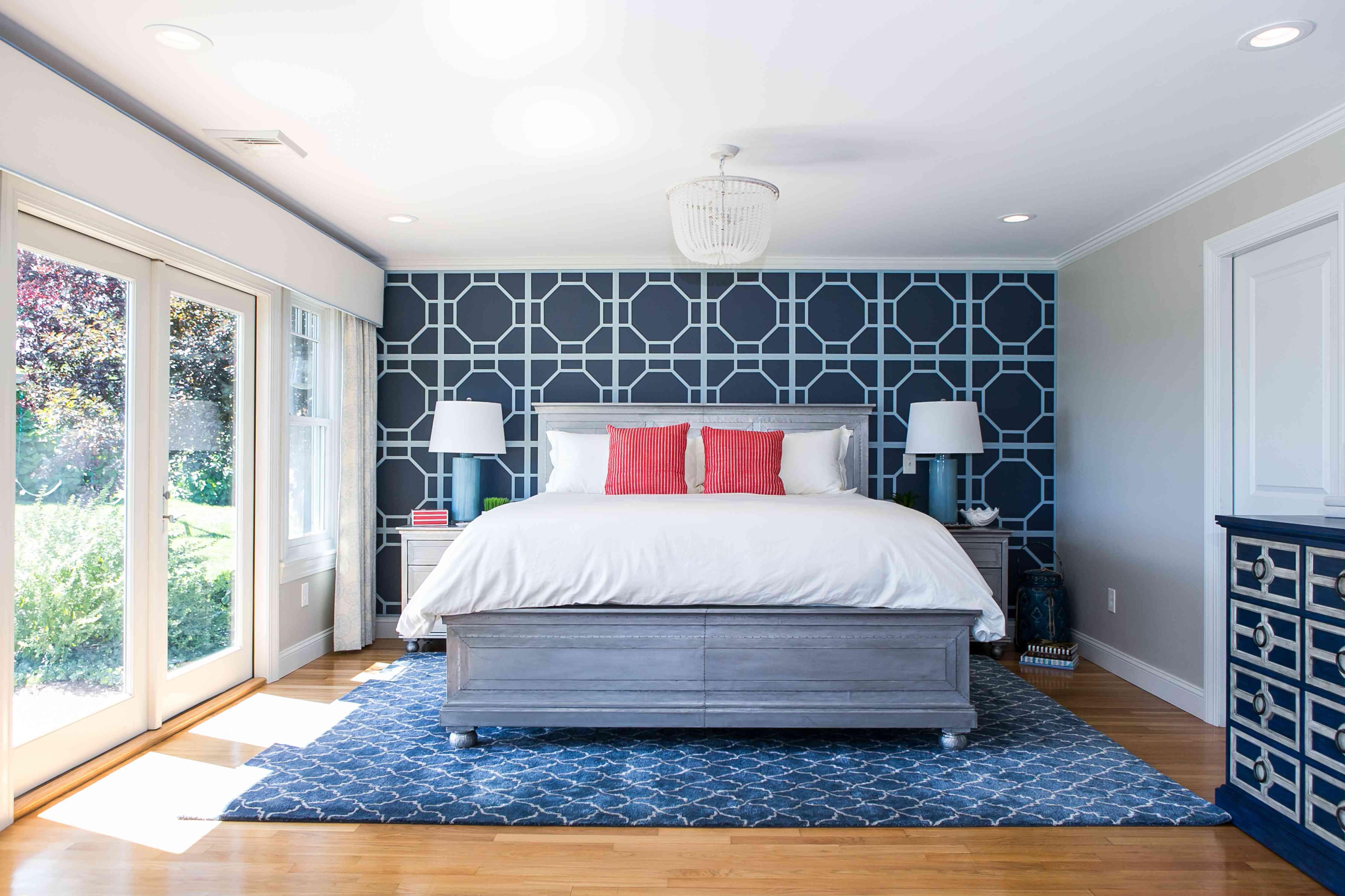 Modern blue-centered bedroom