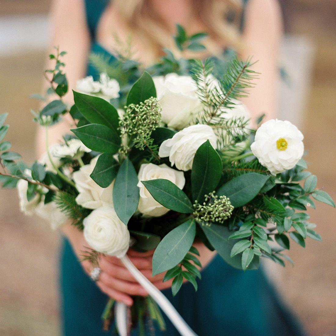 15 In Season Winter Wedding Flowers