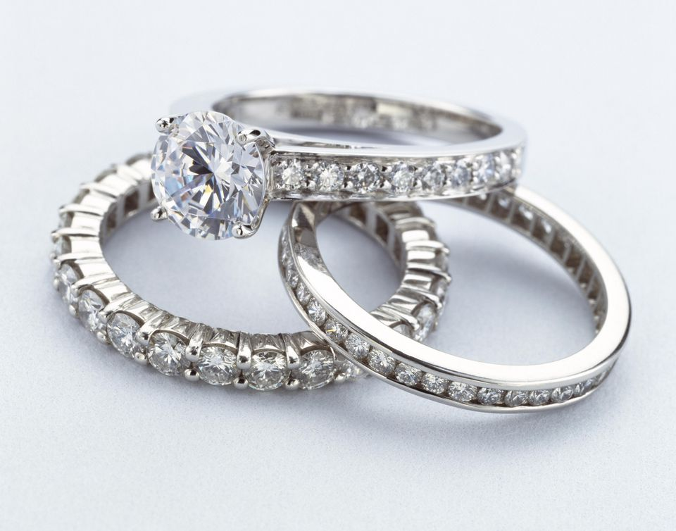 Women's diamond wedding rings
