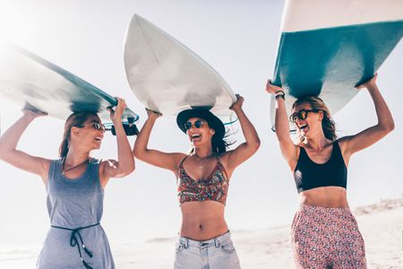 vacation manners you need when traveling with friends