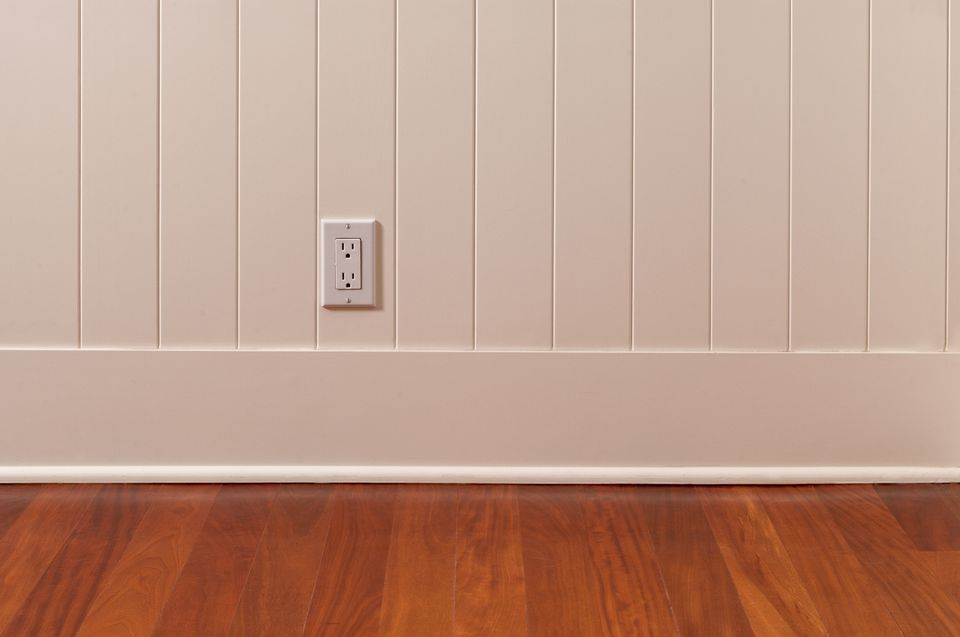 Quarter Round Installed on Baseboard - 164003254