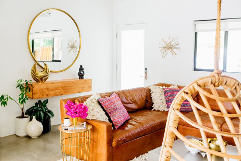 Ranch-House-Entryway-70s-vibe