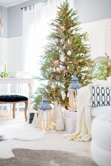 white living room decorated for christmas - Gingerbread Christmas Decorations Beautiful To Look
