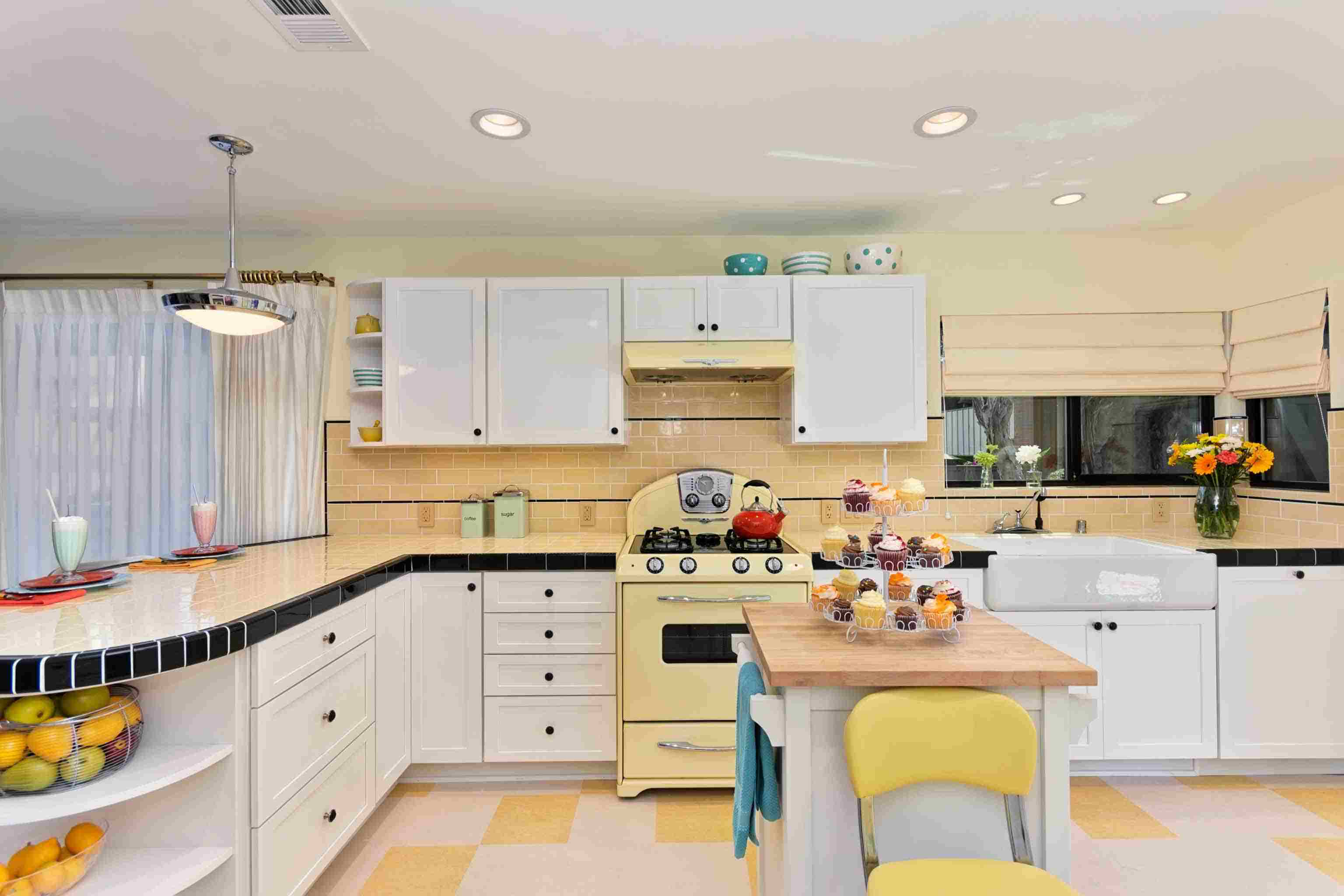30 Beautiful Yellow Kitchen Ideas on golden yellow kitchen ideas, bright country kitchen ideas, yellow kitchen decorating ideas, yellow kitchen wall ideas, bright yellow room ideas, bright yellow interiors, bright yellow fashion, gray and yellow kitchen ideas, bright yellow bathroom ideas, bright yellow kitchen decorations, yellow kitchen color ideas, bright yellow living rooms, blue and yellow kitchen ideas, lemon yellow kitchen ideas, yellow country kitchen ideas, soft yellow kitchen ideas, bright yellow color, bright yellow dining room, bright yellow walls, bright yellow laundry rooms,