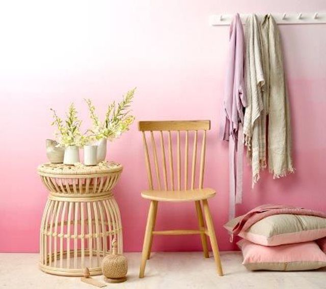 Ombre Effect Wall In Pretty Pink Tones