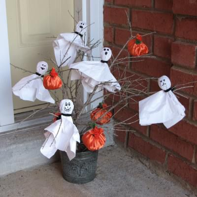 Ghost Lollipop Tree With Candy Filled Pumpkins