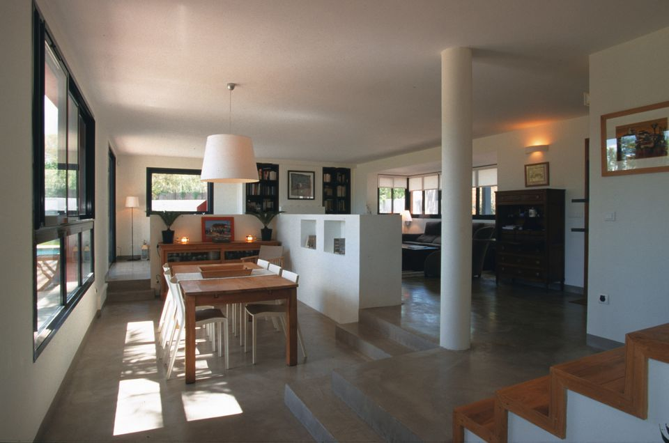 Concrete Living Room Flooring Information