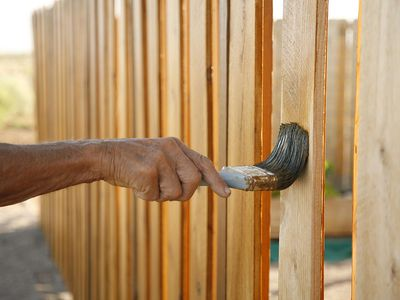 Treating and Weatherproofing a Cedar Fence