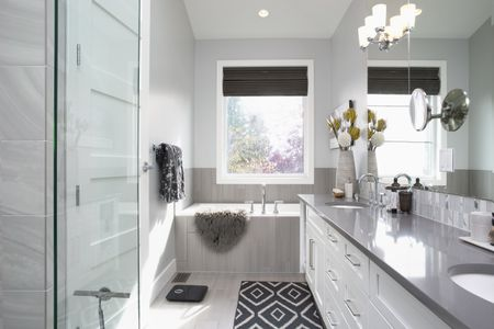 Modern White Bathroom Design Ideas 2