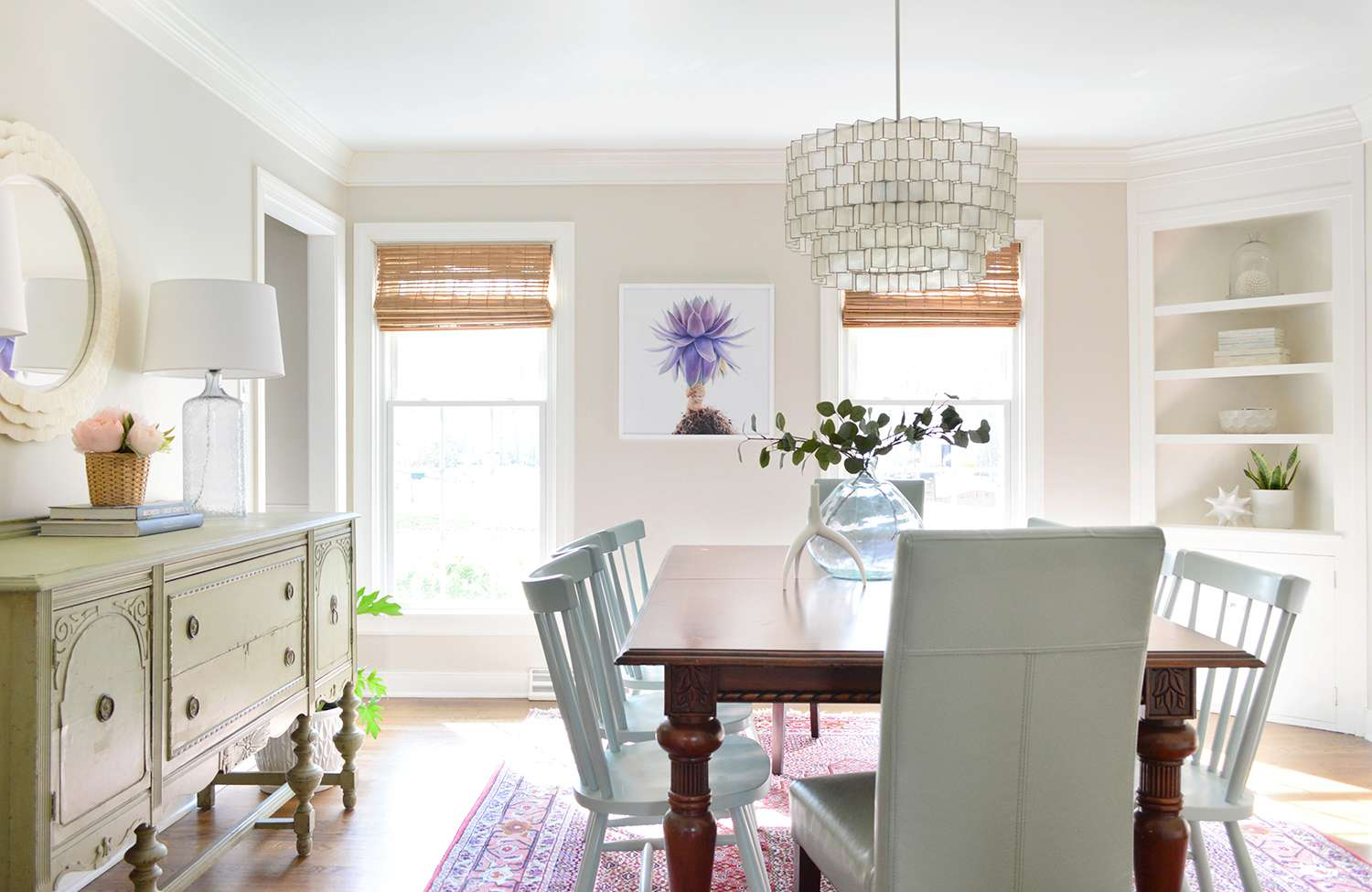 corner built in in a dining room