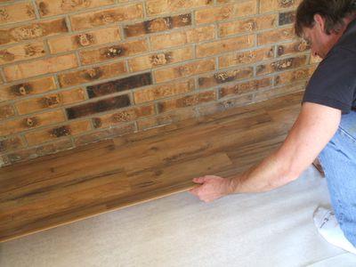 Lay Laminate Flooring - Putting Down First Row