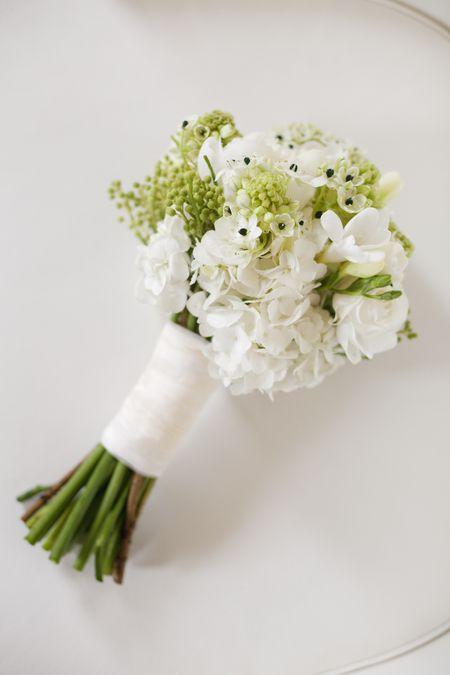 Winter flowers for weddings star of bethlehem wedding flowers mightylinksfo