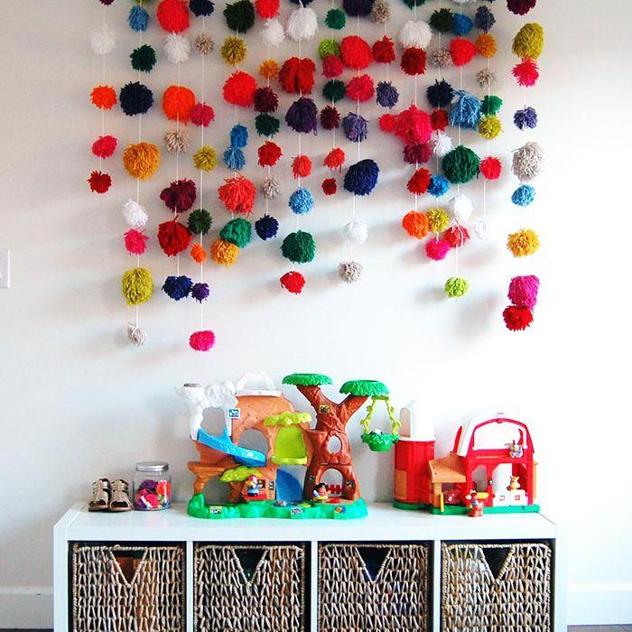 DIY Pom pom wall art for kid's room