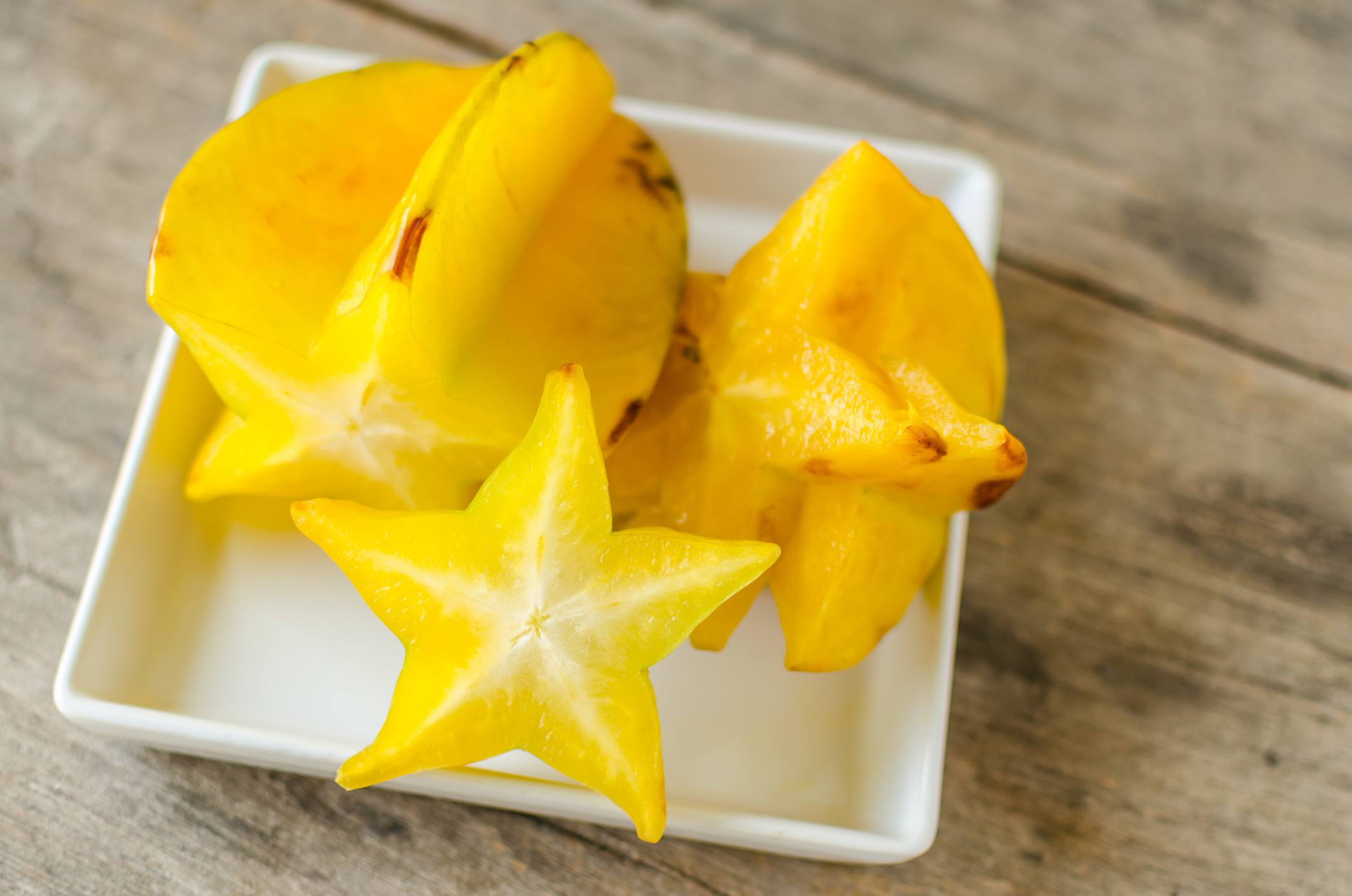 star fruit in a bowl
