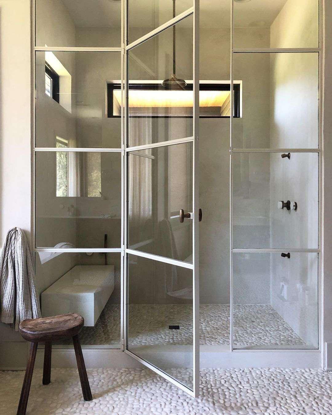 Bathroom with pebble tile