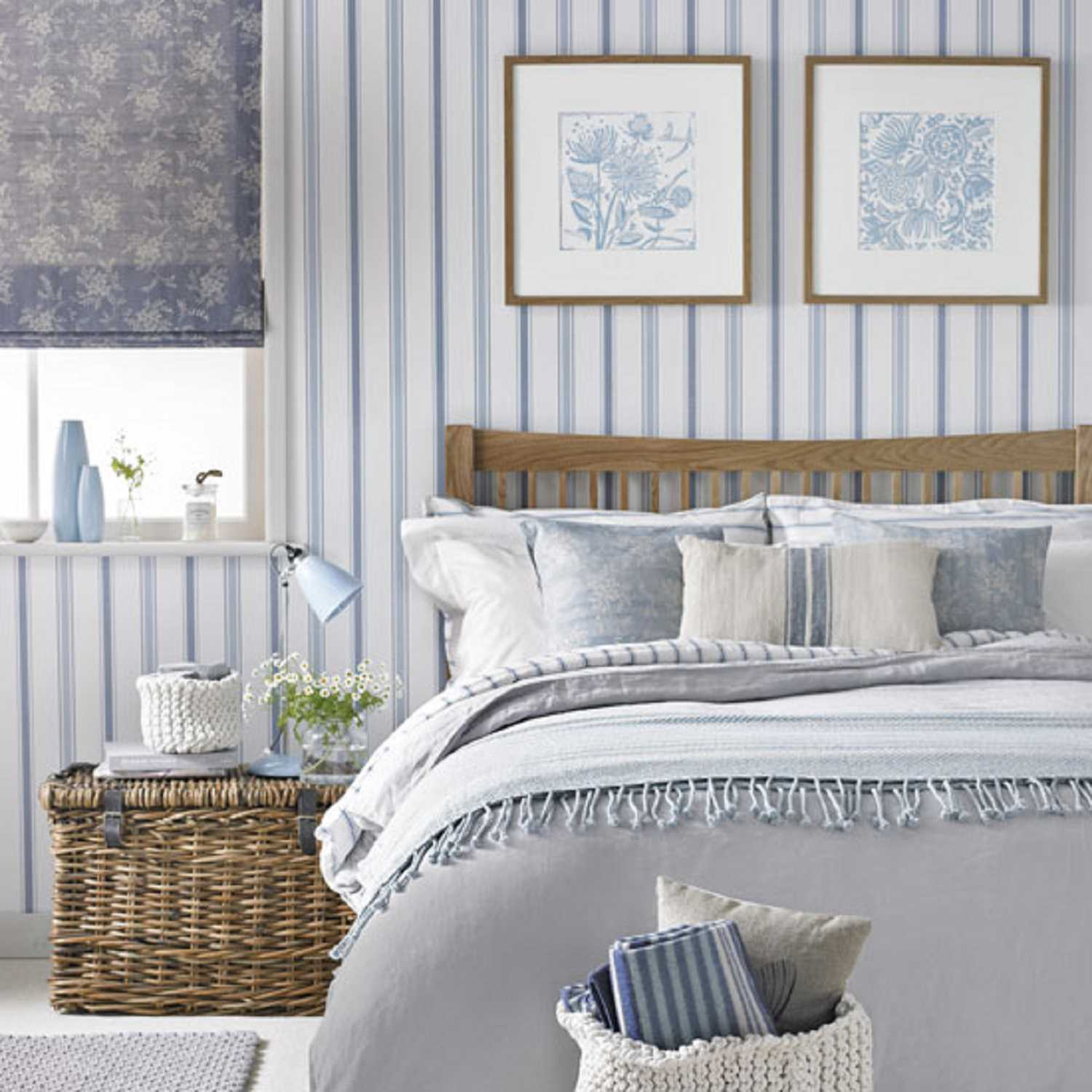 . 25 Ways to Decorate Bedroom Walls With Stripes