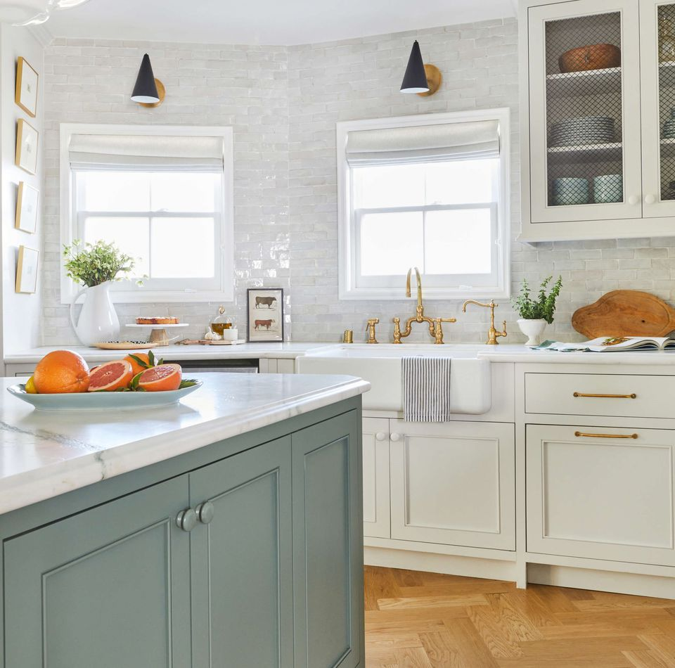 10 Unique Small Kitchen Design Ideas on cottage kitchen cabinets ideas, white shaker kitchen cabinets ideas, cottage kitchen flooring ideas, white small kitchen design ideas, country kitchen design ideas, cottage kitchen backsplash ideas,