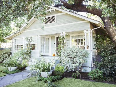 Exterior Paint Color Schemes Cottage House - Exterior-painting-house