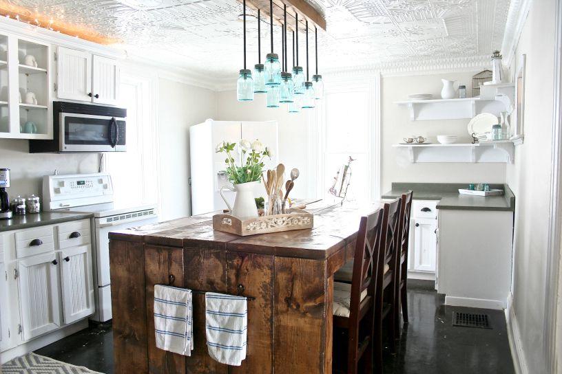 Mason-Jar-Farmhouse-Kitchen