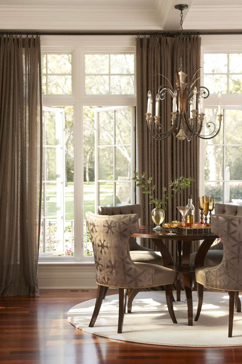 Luxury-Dining-Room.jpg