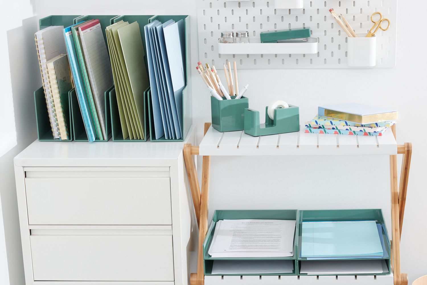 Plastic containers to organize files