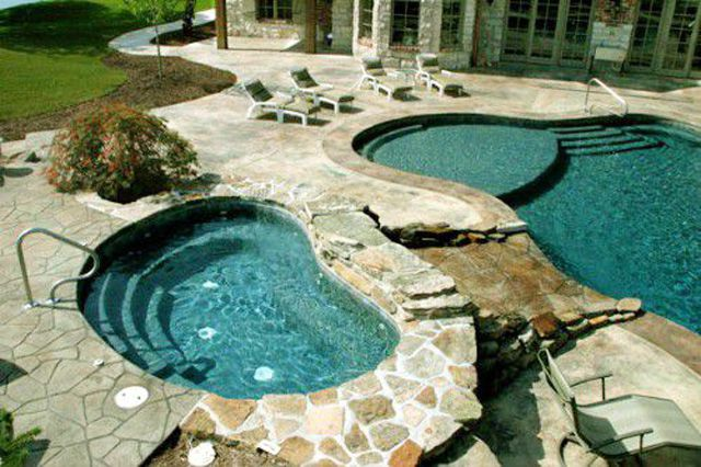 Freeform And Kidney Shaped Swimming Pool Designs