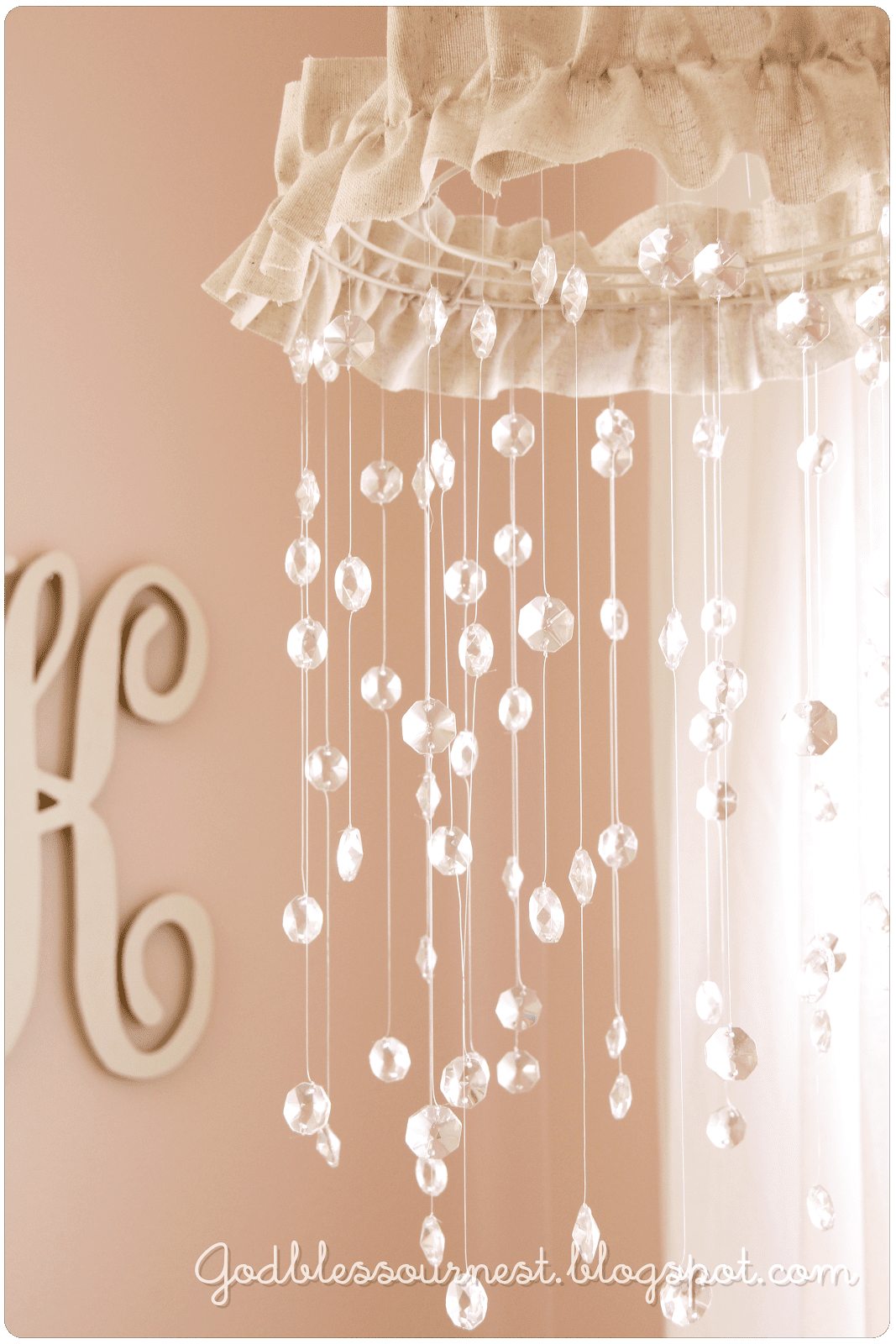 Tutorial Mobili Shabby Chic.12 Shabby Chic Nursery Projects You Can Diy