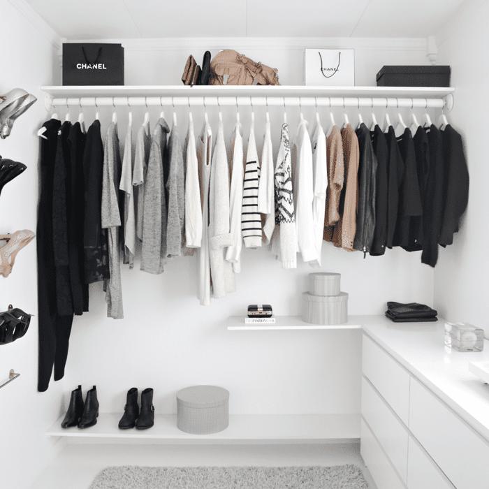Monochromatic closet set up