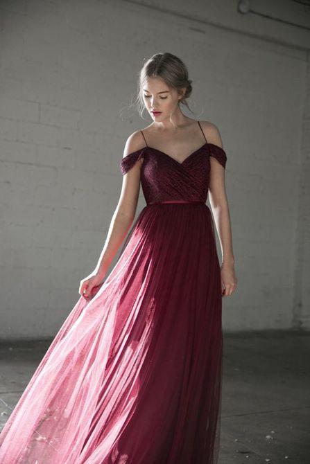 Vestido de dama de honor con hombros descubiertos de Jenny Yoo