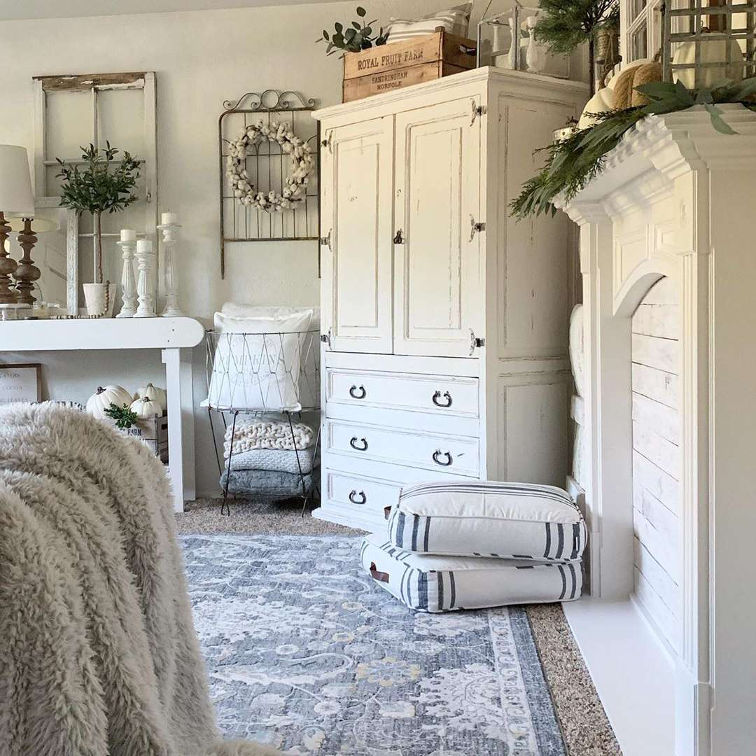 White country chic living room