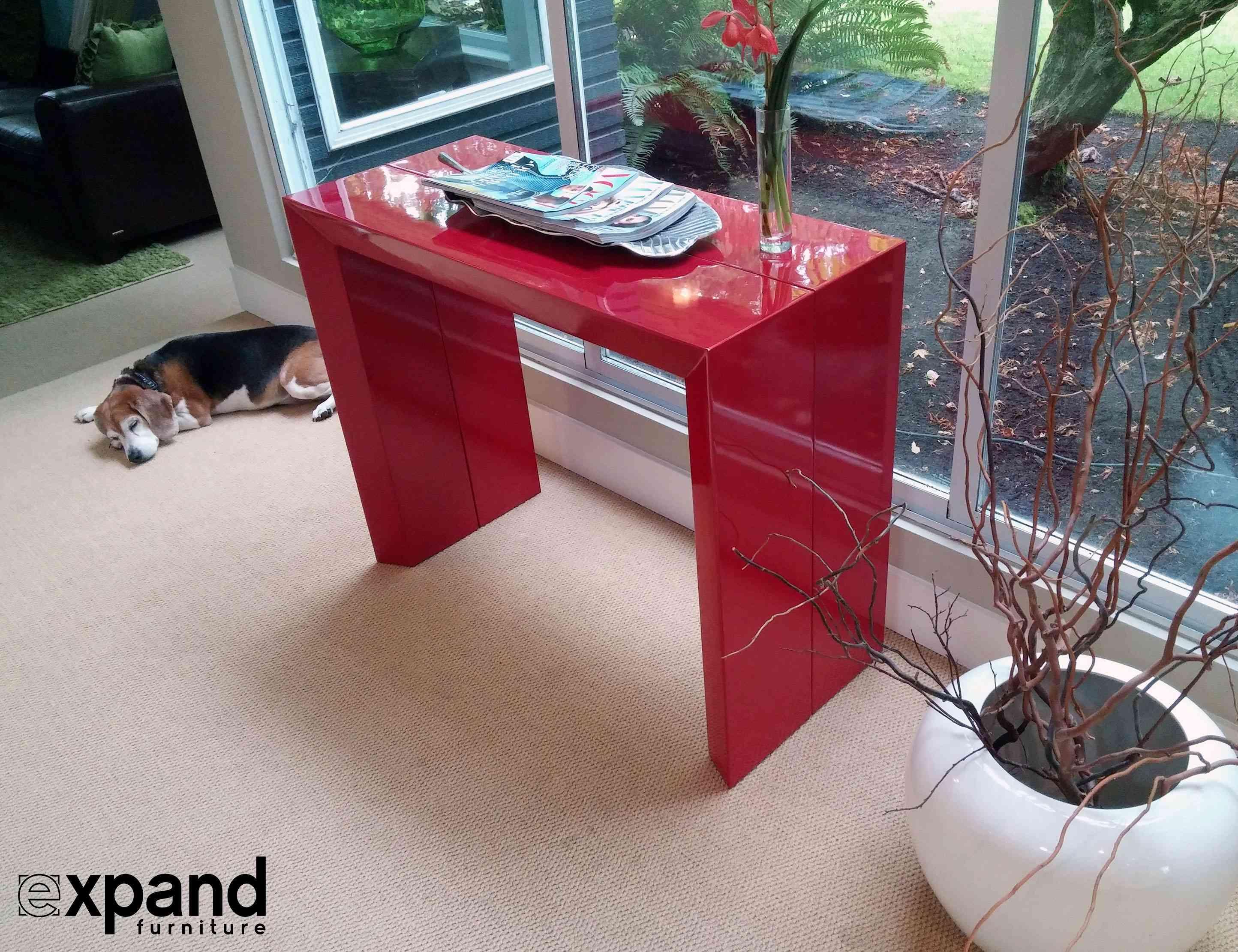 Expandir la mesa roja de los muebles