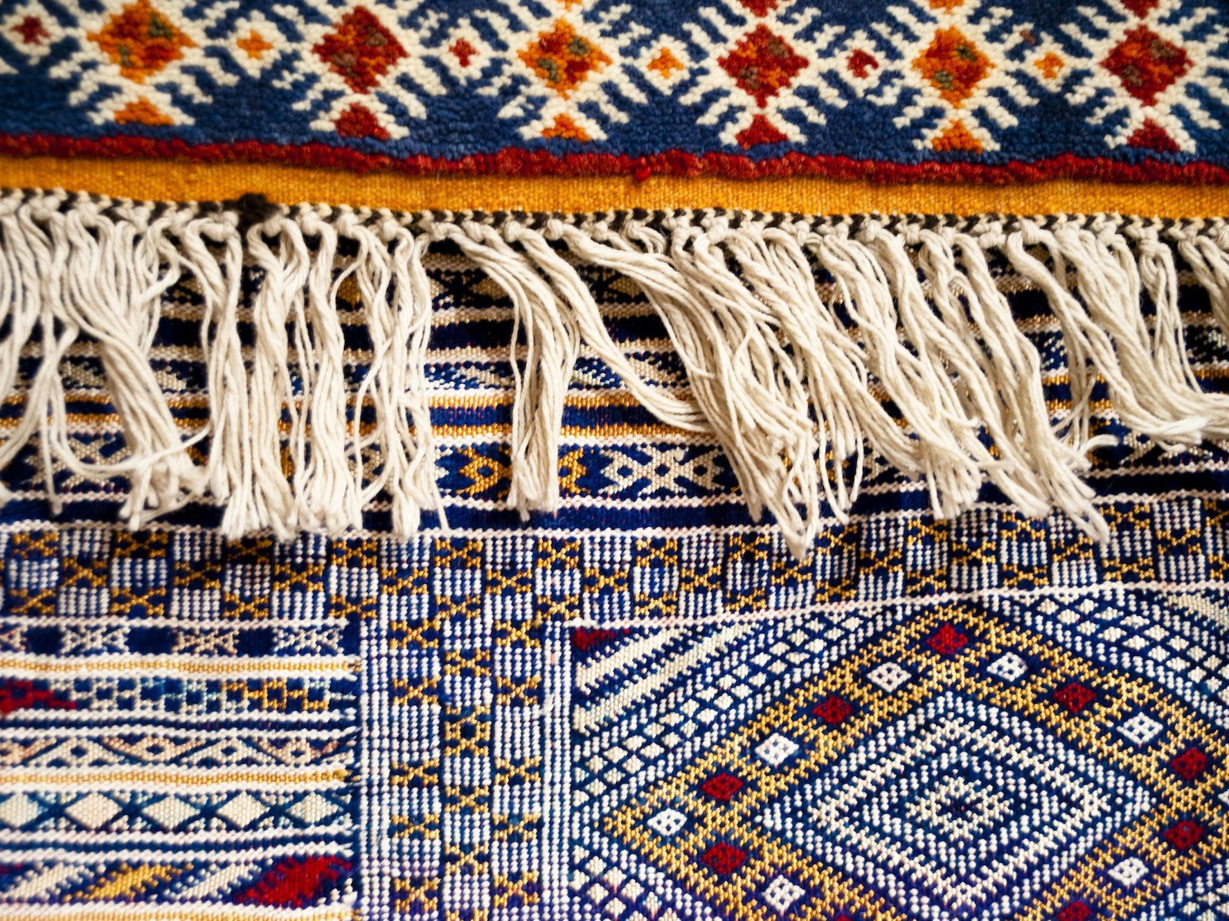 Hand Knotted Vs Tufted Rugs What