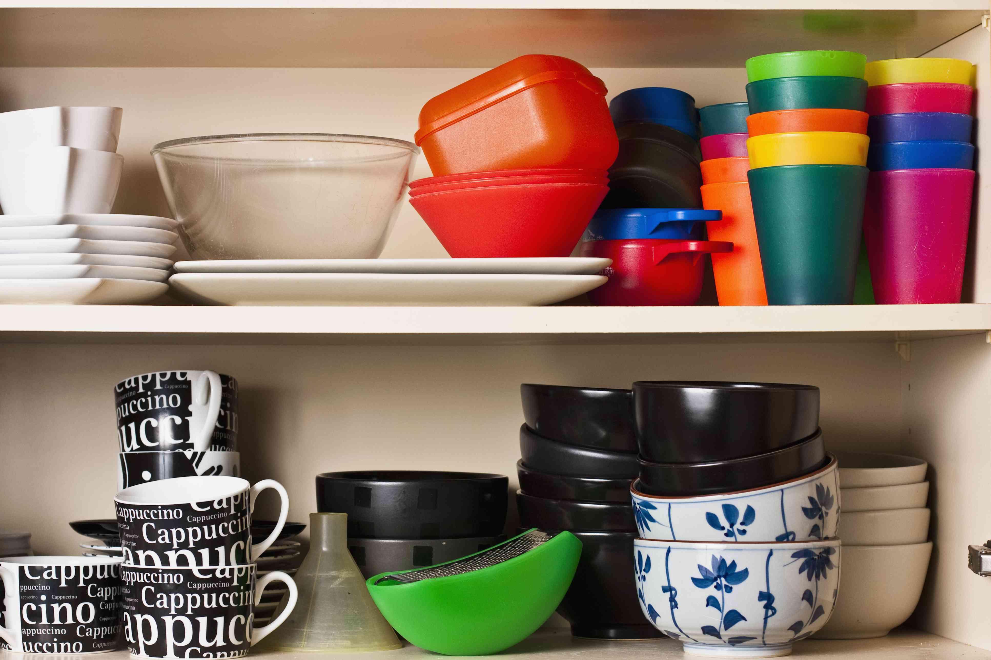 kitchen cabinet cups