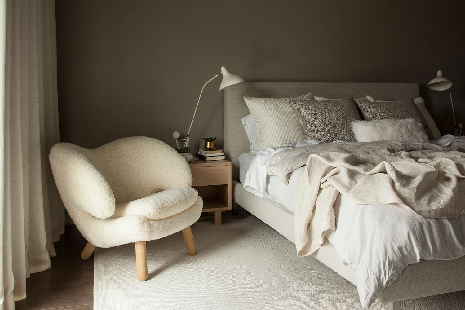 Cozy Bedroom Ideas To Make A Space More Homey