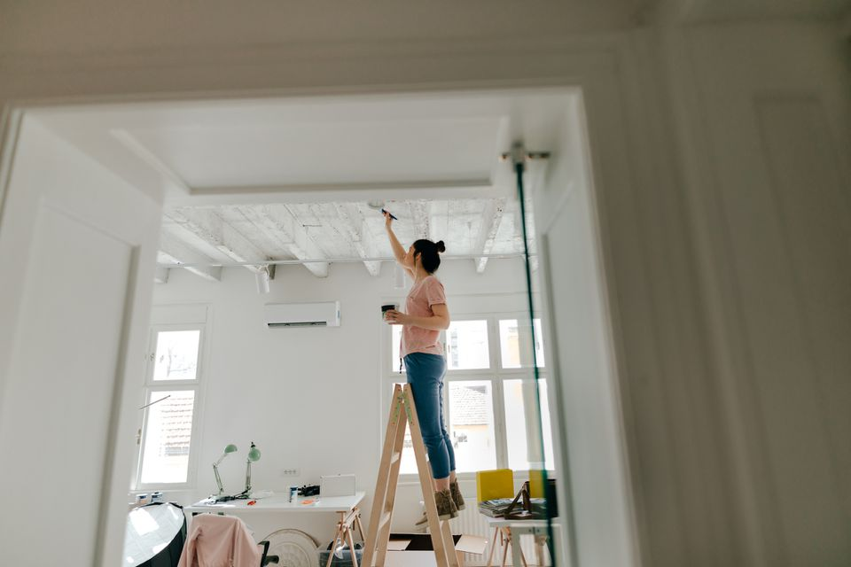 Best Ceiling Paint - What to Know Before You Buy