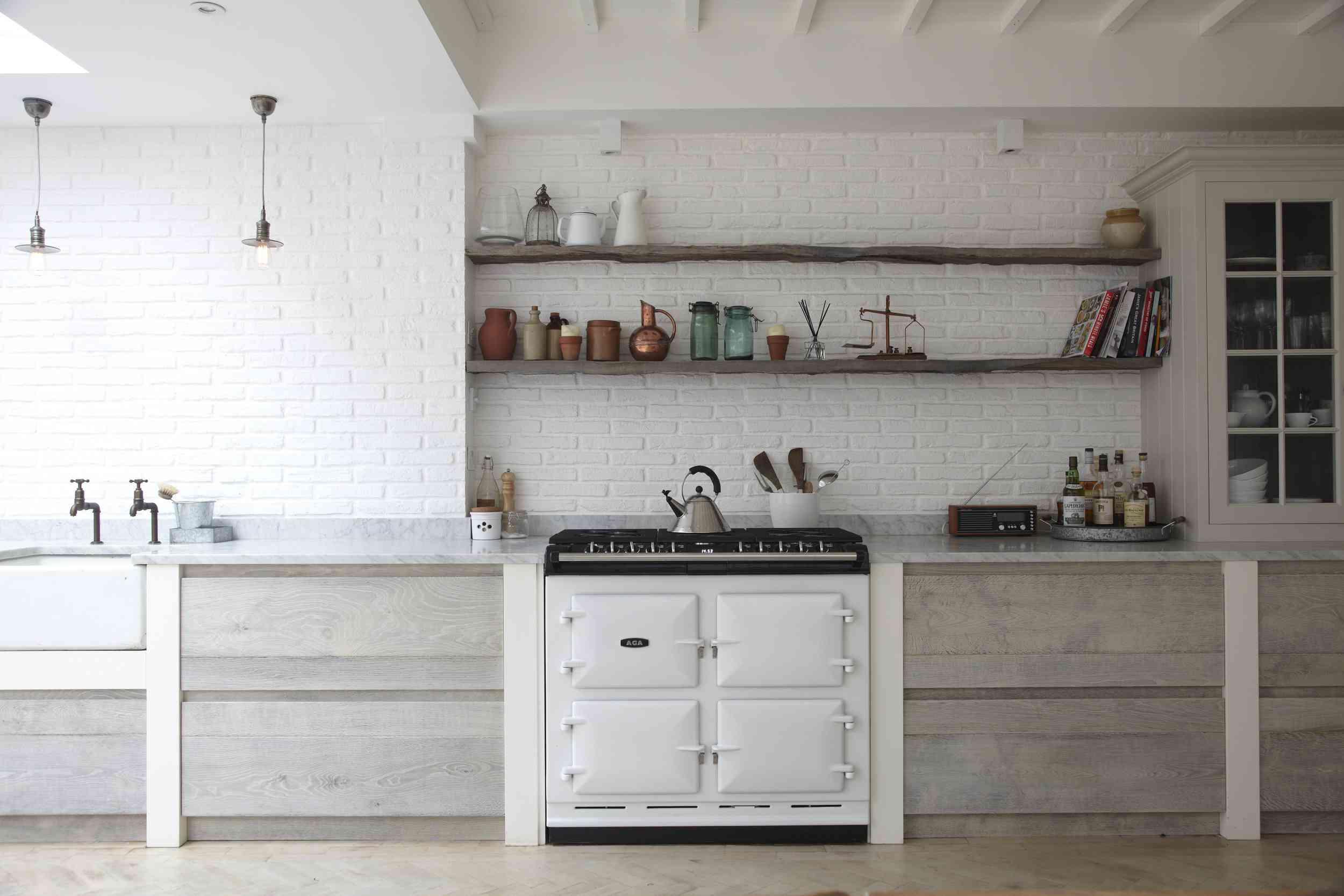 3-Blakes-London-Farmhouse-Kitchen