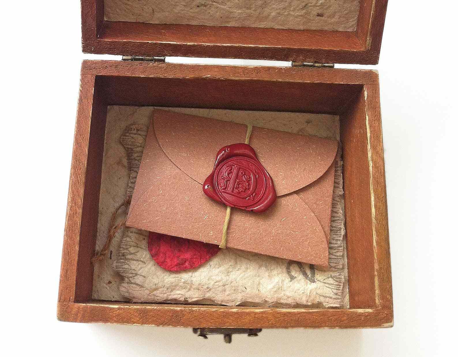 Anniversary Treasure Note Box