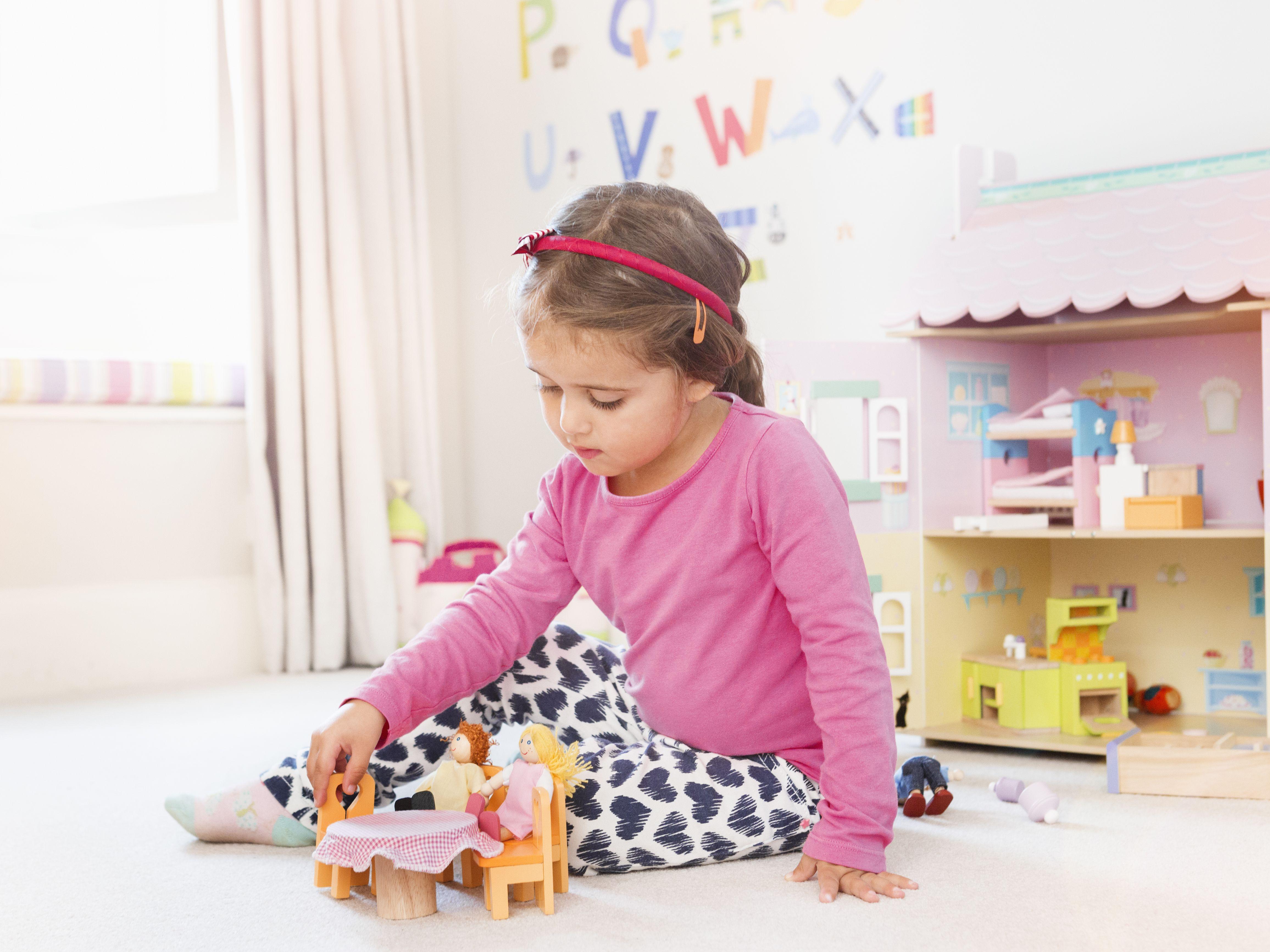 4bd075424eddc The 17 Best Dollhouses for Kids in 2019