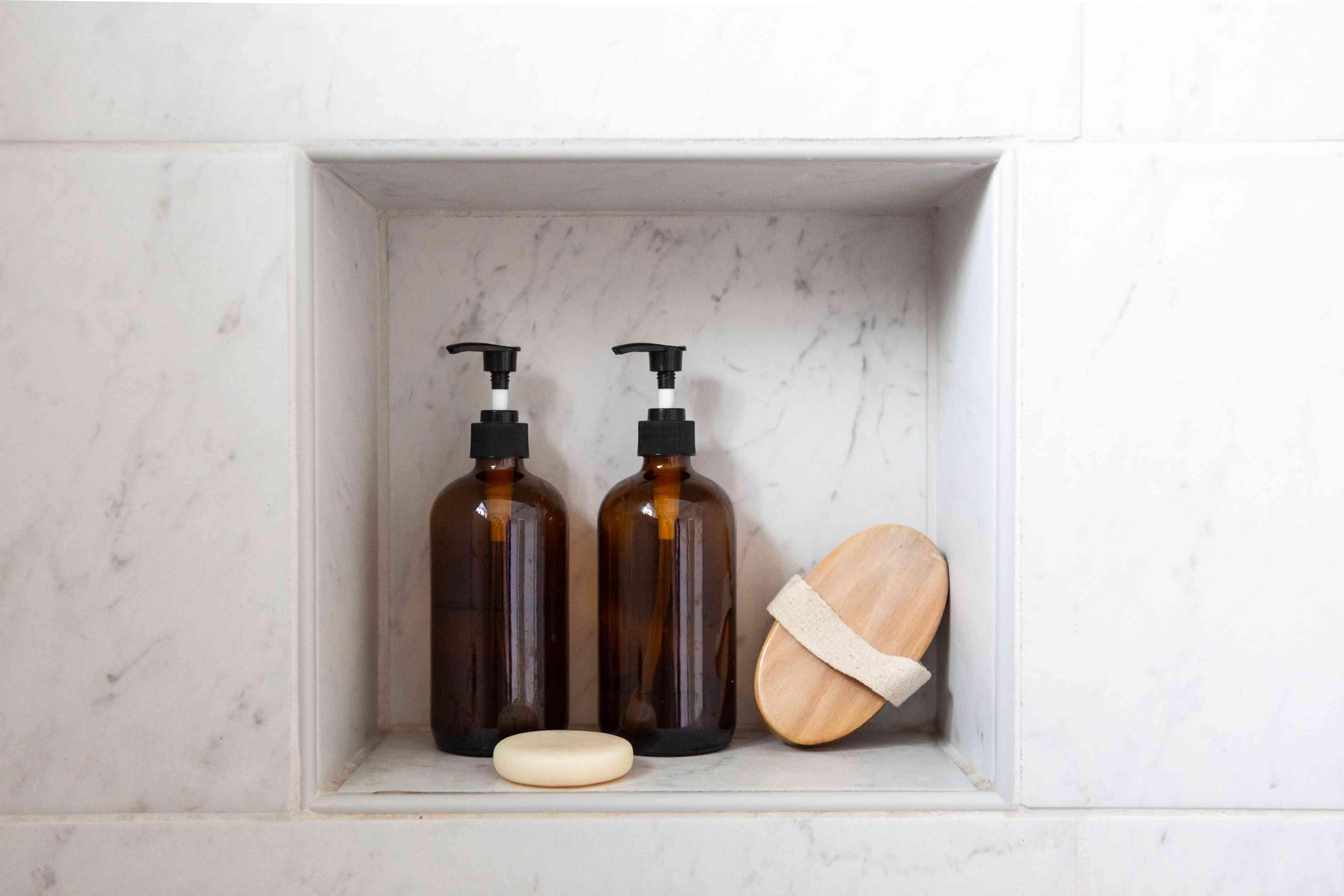 Amber DIY shampoo bottles