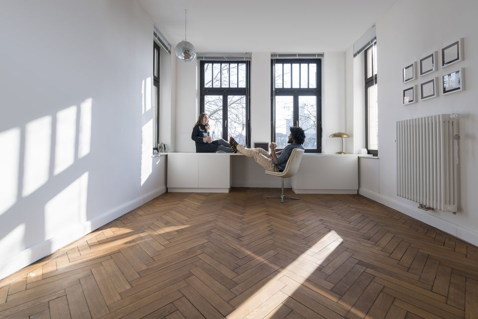 couple in an empty apartment