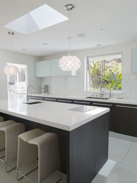White Upper Cabinets Backsplash Countertops With Dark Base