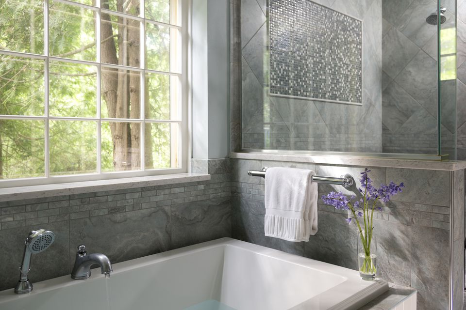 Tub with gray surround
