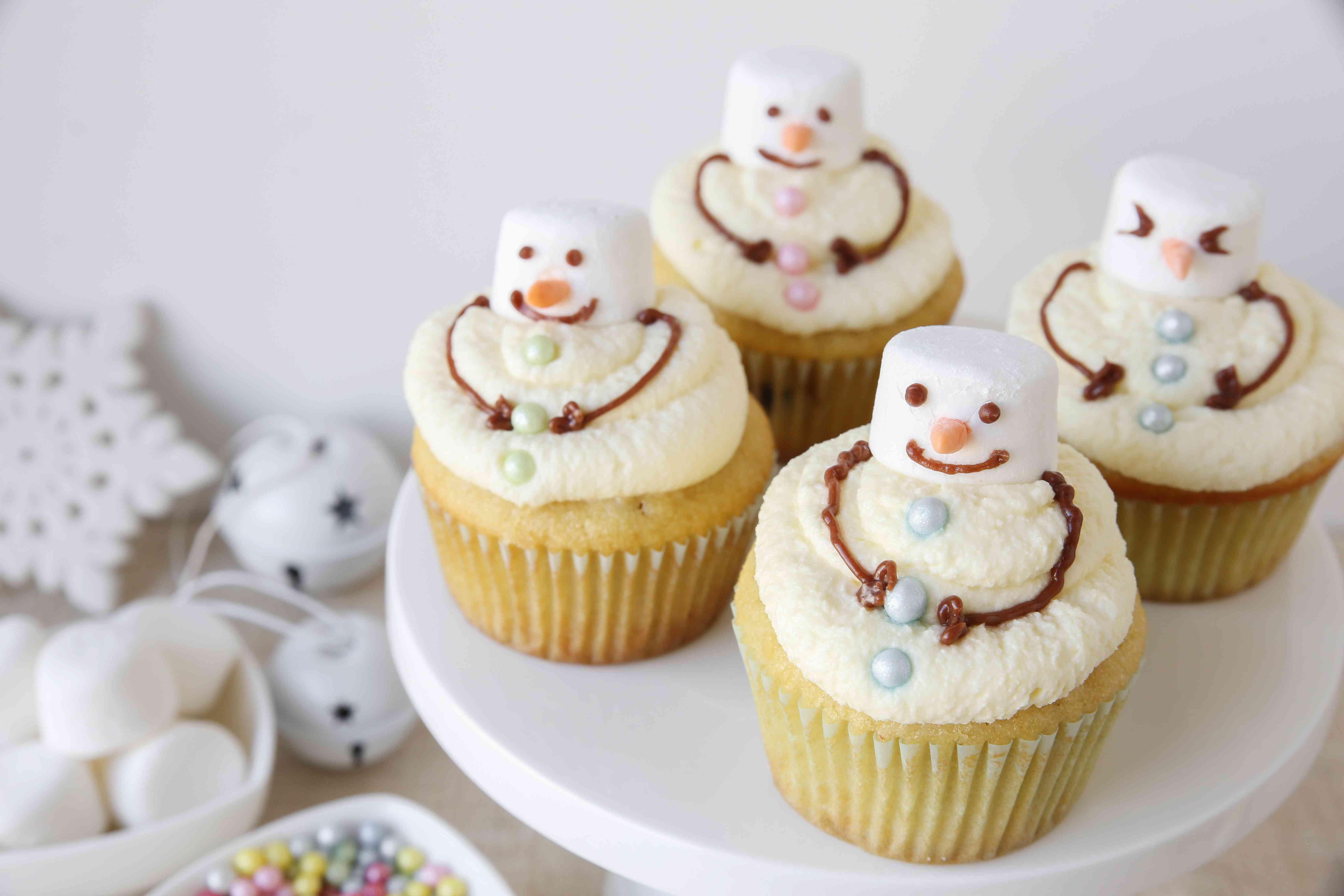 Fun homemade melting snowman cupcakes for kids