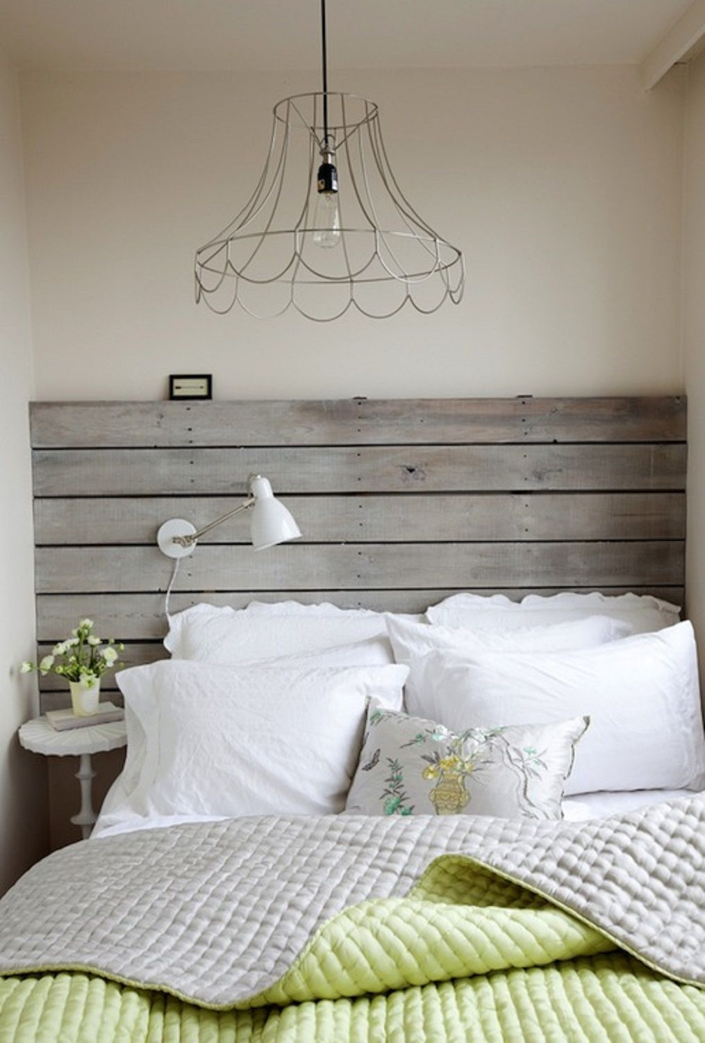 16 Creative And Stylish Wooden Headboard Ideas