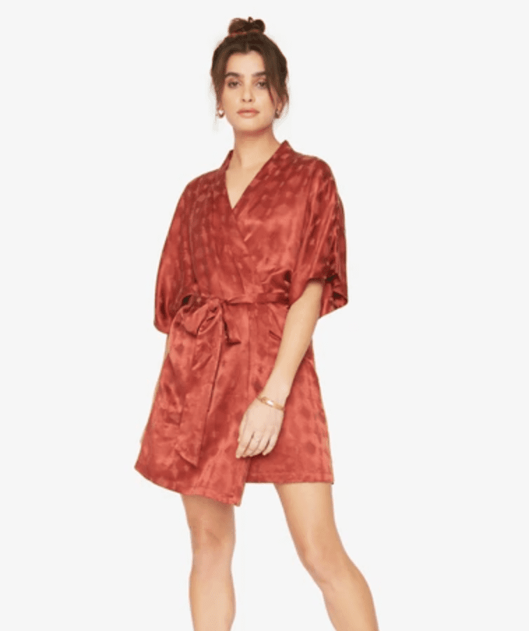 Idle The Short Robe