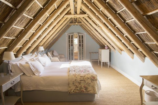 Knee wall in luxury attic