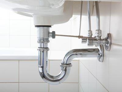 Sink pipe under wash basin