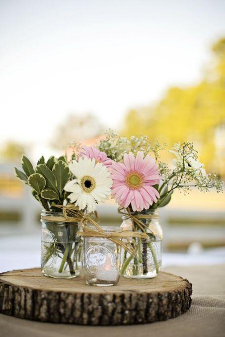 Centro de mesa de boda de primavera de margarita de gerbera