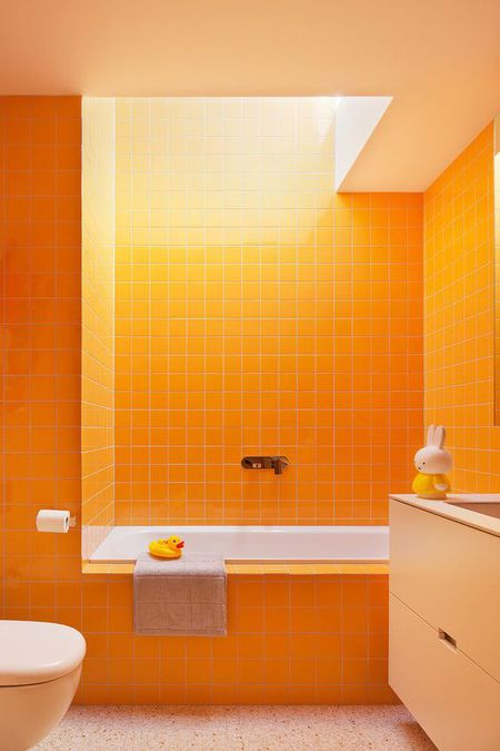 Sensational 16 Ideas For Using Orange In A Bathroom Download Free Architecture Designs Pushbritishbridgeorg